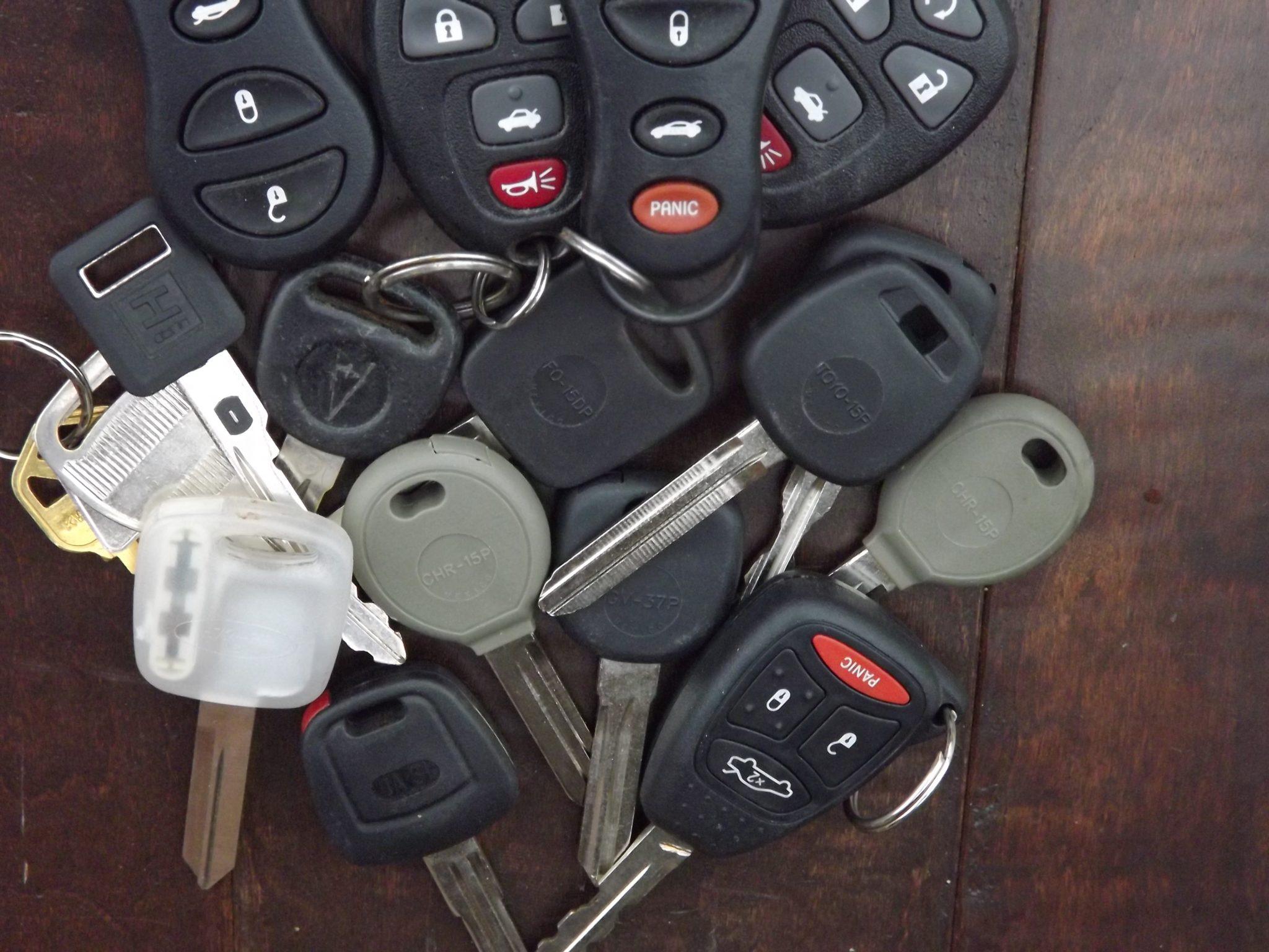 Keys locked in car automotive locksmith in phoenix arizona - Car Keys Computer Chip Vehicle Keys Car Remotes Transponder Keys